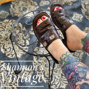 Brighton split toe sz 8 heeled sandals